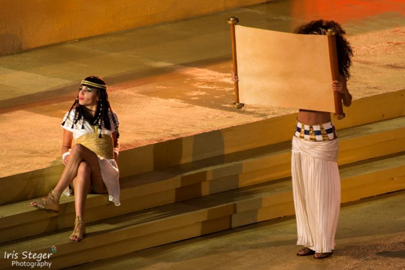 Sophie Berner als Amneris mit Particia Meeden als Aida