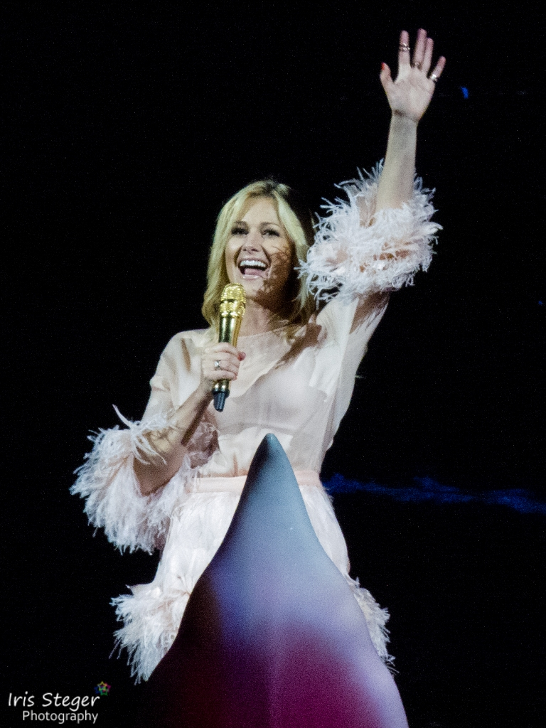 helene fischer 2015 bing images. Black Bedroom Furniture Sets. Home Design Ideas