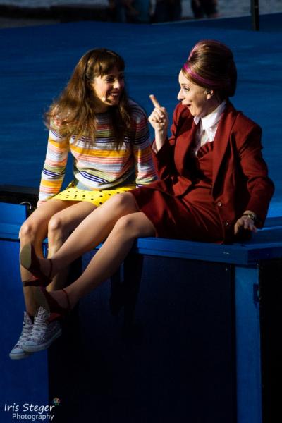 Iréna Flury (Julia) & Katja Berg (Amme)