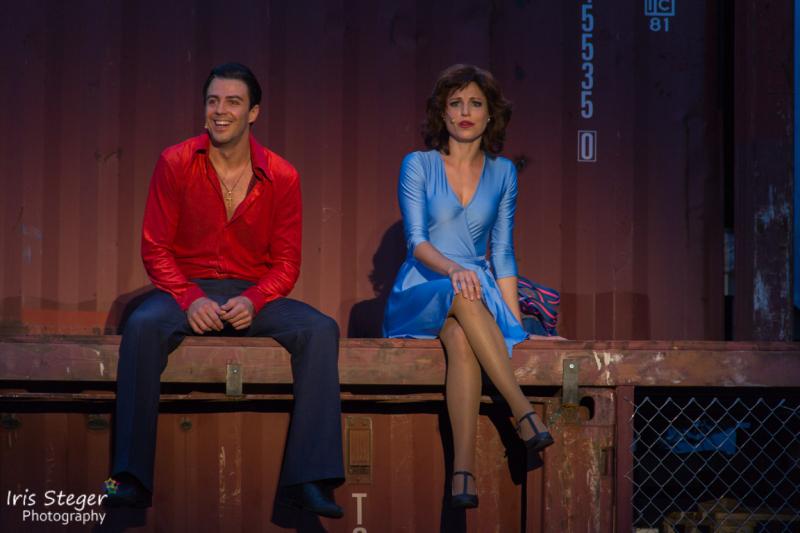 Filippo Strocchi als Tony Manero & Nathalie Parsa als Stefanie Mangano
