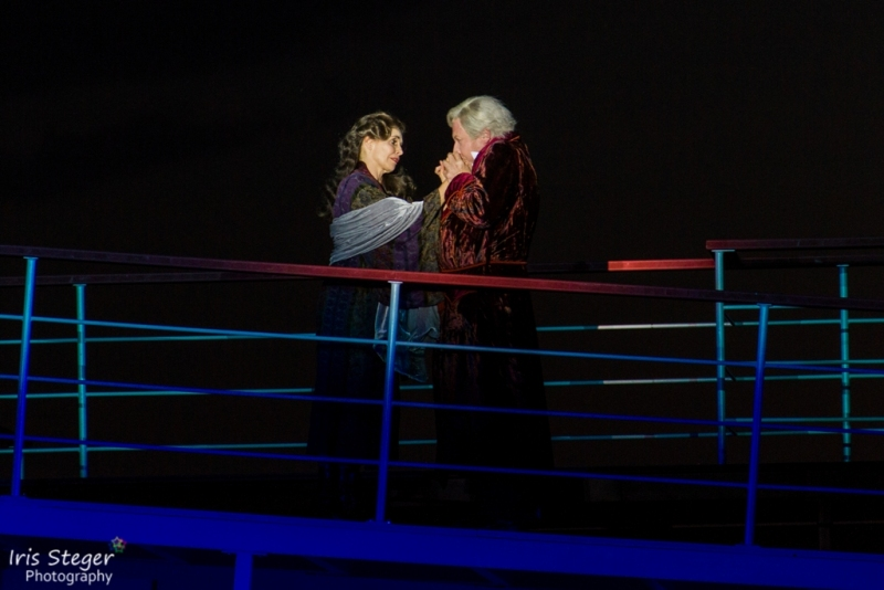 Masha Karell ( Ida Strauss) und Urs Affolter (Isidor Strauss)